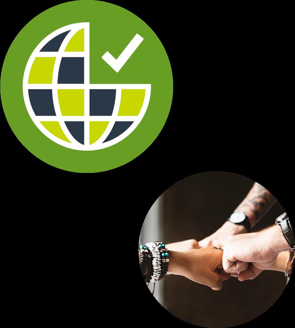 Collage av avsnittets ikon i form av en jordglob på grön bascirkel och ett runt fotografi där 5 individer sätter ihop sina knutna händer i en segercirkel.